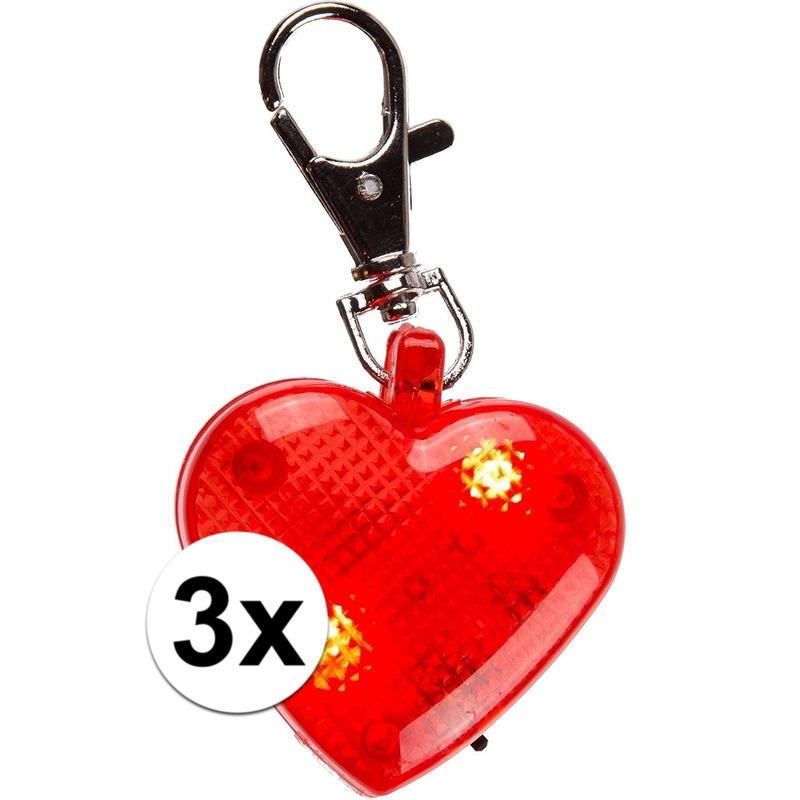 Hartjes sleutelhangers met lichtjes 4 cm 3 stuks